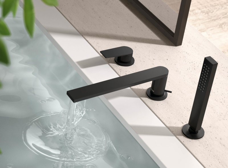 Grifería color negro mate para bañera
